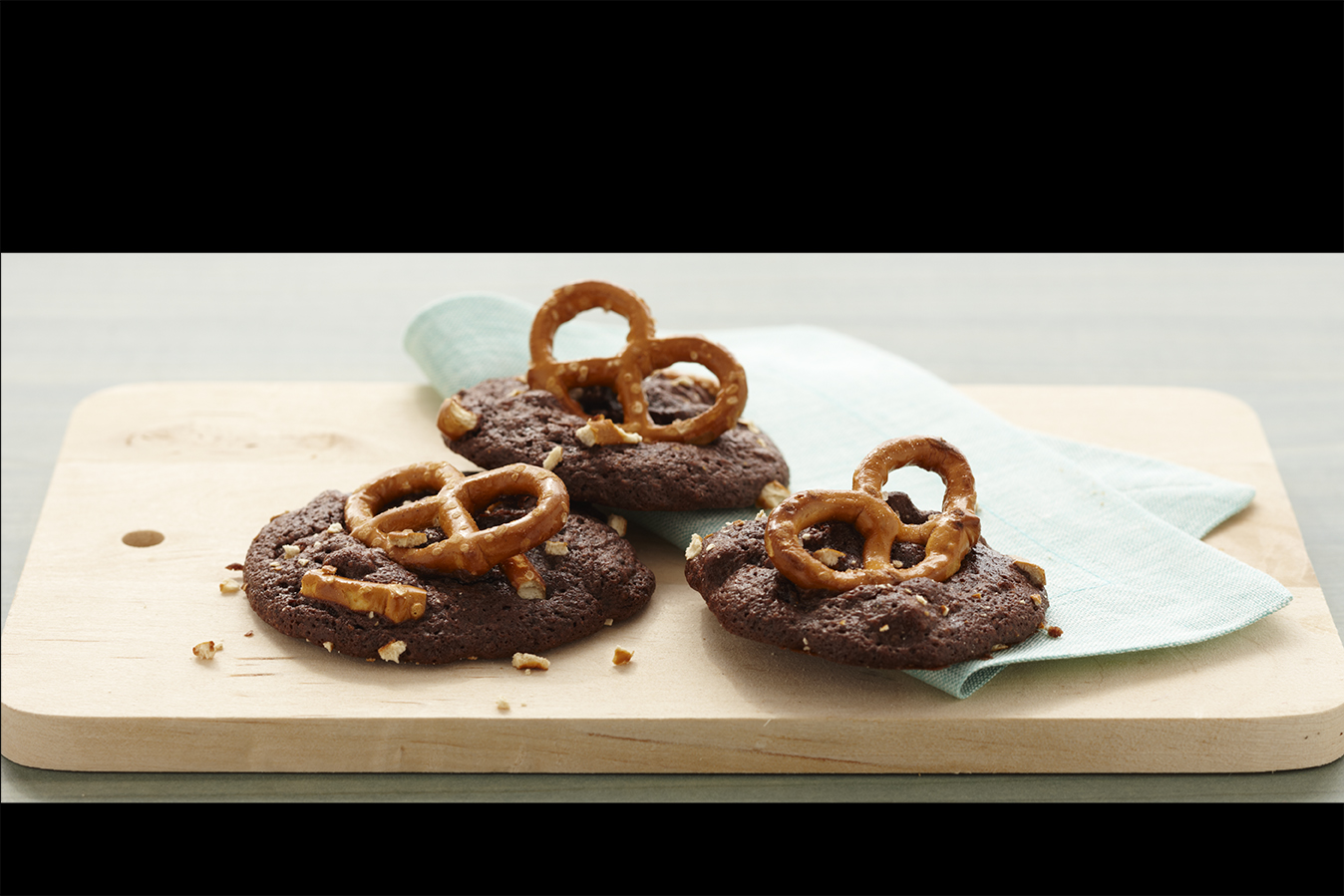 Chocolate Caramel-Pretzel Cookies