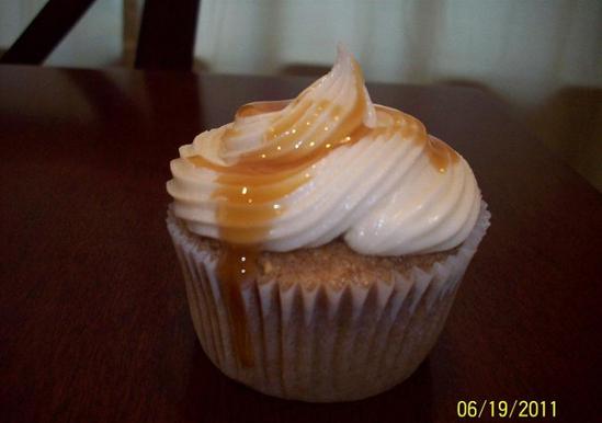 Caramel Apple Cinnamon Cupcakes