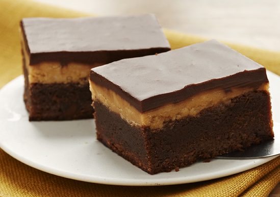 Extreme Fudgy Peanut Butter Brownie Squares | Duncan Hines®