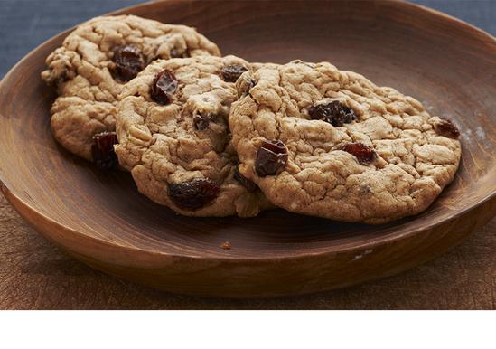 Spicy Oatmeal Raisin Cookies