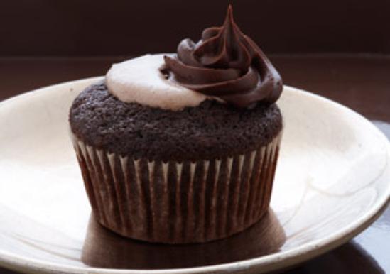 Decadent Triple Chocolate Cake Mix Duncan Hines 174