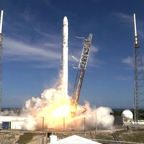 Spacex crs6 day 2 1