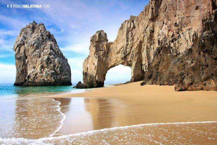 """<span class=""""caption-true"""">Los Cabos Mexico</span>"""