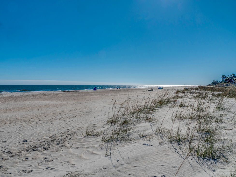 <span class=&quot;caption-true&quot;>The best beach on Hilton Head Island!</span>