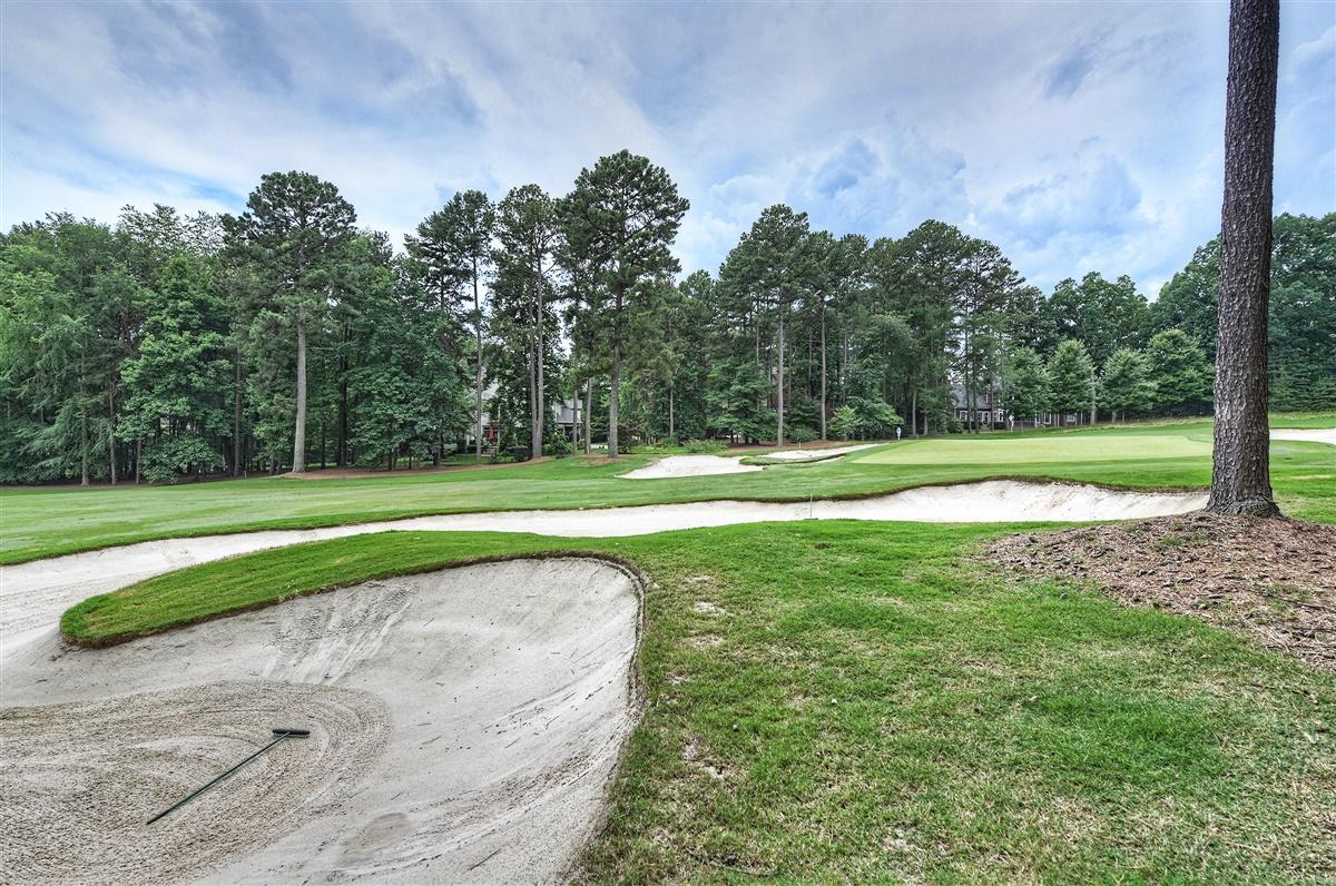 "<span class=""caption-true"">Golf Course View</span>"