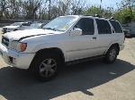 Lot: 06 - 2001 Nissan Pathfinder SUV
