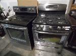 Lot: A5513 - GE & Samsung Stainless Convection Ovens