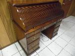 Lot: A5515 - Oak Wood Traditional Roll Top Desk