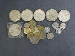 Lot: 2443 - (5) 1922-1935 PEACE DOLLARS & FOREIGN COINS