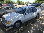 Lot: 16-3756 - 1990 Mercedes-Benz 300 E