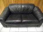 Lot: A5555 - Black Leather Love Seat