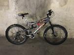 Lot: 143 - Silver/Gray Mongoose XR250 Mountain Bike