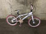 Lot: 148 - White Kent Bicycle