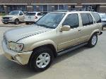 Lot: B702152 - 2001 NISSAN PATHFINDER SUV