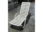Lot: 02-18618 - Grosfillex Chaise Lounge Chair