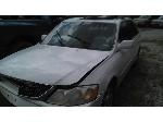 Lot: 2616 - 2000 Toyota Avalon