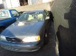 Lot: P511 - 1999 TOYOTA AVALON