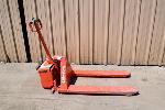 Lot: 276 - Electric Pallet Jack