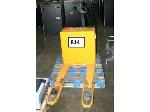 Lot: 814 - Electric Floor Jack