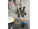 Lot: 1274 - Olympus Desk Microscope