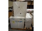 Lot: 1297 - Pallet of Laboratory Cabinets