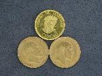 Lot: 2840 - (3) FOREIGN GOLD COINS