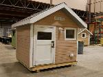 Lot: 01 - Wooden Playhouse