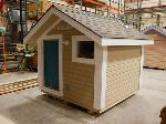 Lot: 03 - Wooden Playhouse