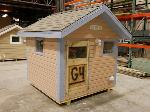 Lot: 04 - Wooden Playhouse