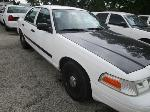 Lot: 18 - 2005 FORD CROWN VICTORIA