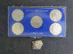 Lot: 2924 - U.S. MINT MORGAN DOLLAR SET