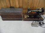Lot: A5801 - 1924 White Rotary Antique Sewing Machine