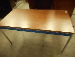 Lot: 1467 - Steelcase Table with Drawer