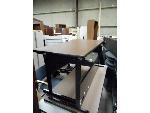 Lot: 1486 - Desk