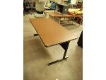 Lot: 1498 - Large Desk