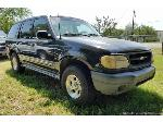 Lot: 95 - 2000 Ford Explorer 5.0 L- V-8 SUV - Started