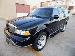 Lot: A5777 - 2000 Lincoln Navigator LIFTED 4x4 - Runs