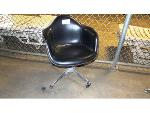 Lot: 02-18971 - Herman Miller Chair
