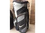 Lot: 73.PU - Nike Golf Bag