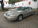 Lot: 43 - 2004 LINCOLN TOWN CAR<BR><span style=color:red>Updated 7/13/17</span>