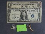 Lot: 3108 - 14K RING & (2) $1 SILVER CERTIFICATES
