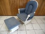 Lot: A5874 - Glider Rocking Chair & Ottoman