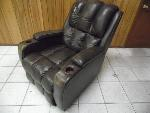Lot: A5886 - Lane Furniture Leather Recliner