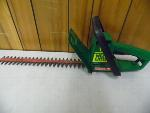 Lot: A5892 - Working Weed Eater Hedge Trimmer