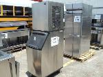 Lot: 18-027 - Manitowoc Ice Machine w/ Bin