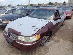 Lot: 28-105744 - 2001 Lincoln Town Car