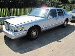 Lot: 1715263 - 1997 LINCOLN TOWN CAR - STARTED - KEY*