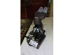Lot: 02-19000 - Collegiate Microscope