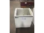Lot: CN-428 - METAL FRIO Ice Cream Box