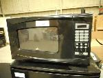 Lot: 1636 - Rival Microwave